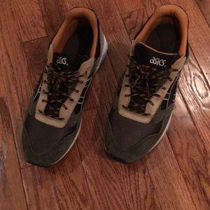 Men's ASICS Gelsaga Running Shoe